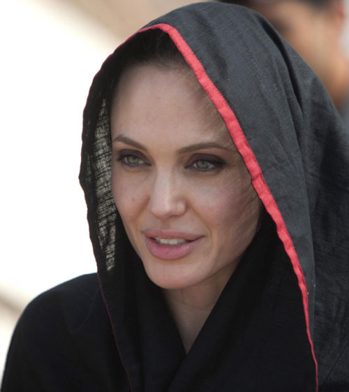 Even Angelina is in on the trend